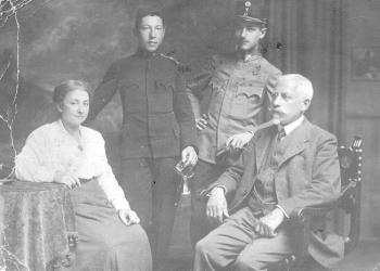 Flora, Stefan, Wilhelm und Julis Bauer 1916