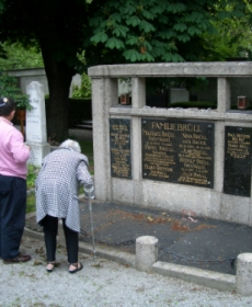 Ron and Sandra Bower with Ingeborg Brüll at Jewish Cemetery, 2006