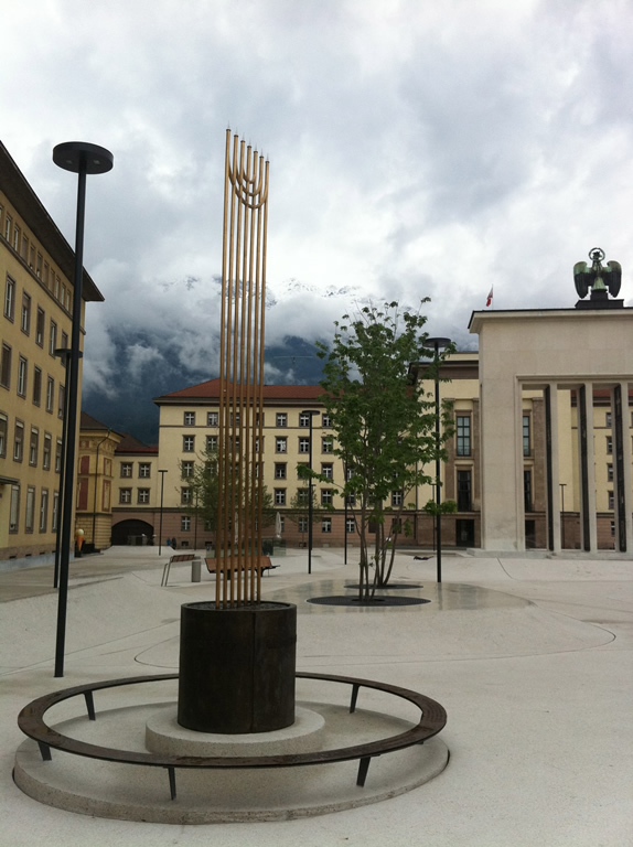 Eduard-Wallnöfer-Platz 3, Landhausplatz Mahnmal