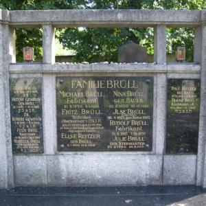 Jüdischer Friedhof Grabstein Brüll