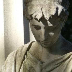 Jüdischer Friedhof Statue