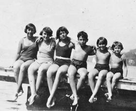 Hilde, Edith, Janne, Hans, Gerda und Ruth Pasch - ca. 1928